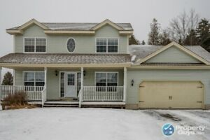 Quality built 2 storey, 5 bdrm/2.5 bath with finished bsmt!