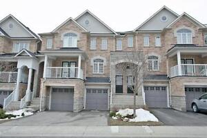 Bright&Spacious 3 Storey Townhome In Desirable High Park Village