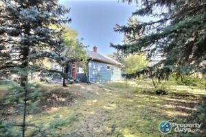 Meadow Lake - Starter home priced right on large double lot!