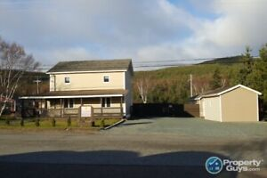 Renovated 2 storey home on large lot in Adeytown