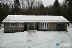 1500 Sq. ft., Single Garage, 3.92 Acres, Minutes From Town
