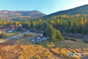 5 acre hobby farm, 2 bed in-law suite Pass Creek 198178