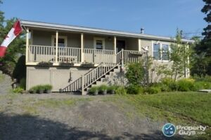 Well maintained 5 bed Dow & Duggan build log home