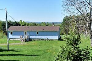 Maison fermette avec 30 acres boisée et pacage