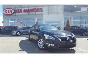 2015 Nissan Altima 2.5 S Back up Camera!