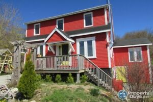 Live on the shore of Bras d'Or Lakes, 5 bed/2 bath