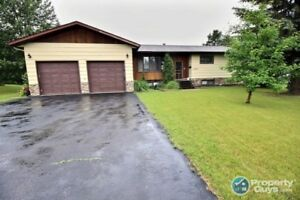 Fully finished 1980 sq ft 5 bed/2.5 bath bungalow