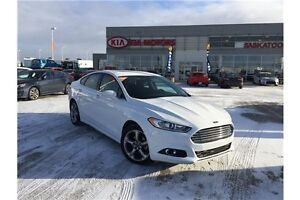 2016 Ford Fusion SE Leather, Backup camera, Low KMS!