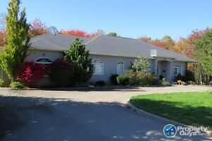 Large, bright, rancher with 3300sf, 7 bdrm/4.5 baths!
