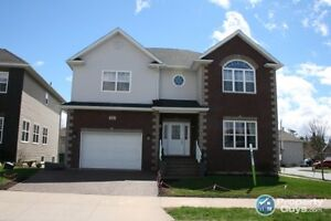 Stunning executive 4 bed/4 bath. Dream Home Style!!!