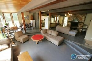 4 bed home with suite potential South Castlegar #198352