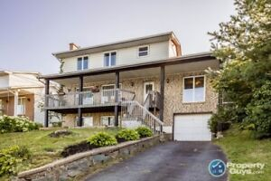 Spectacular view, close to Bell Lake with 4 bdrm & 3 baths
