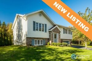Beautiful 1 storey with finished bsmt on 1.25 ac lot.