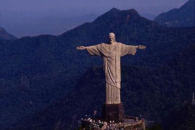 584093 Statue Of Christ In Rio De Janeiro City Brazil A4 Photo (Statue De Jesus A Rio De Janeiro)