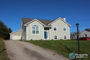 Perfect for the whole family, 4 bed/2 bath, 9 mins to Antigonish