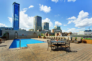 1 bedroom, gym, pool, between old port and downtown