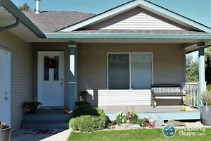 HOUSE FOR SALE in Salmon Arm Revelstoke British Columbia image 2