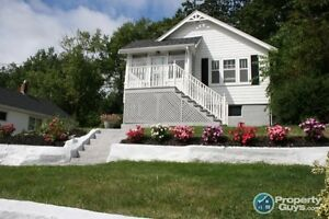 Move in Ready Bungalow. Perfect for First Time Buyers!