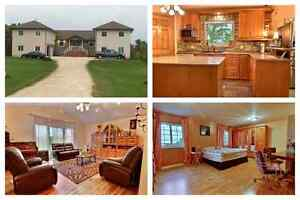 Beautiful Family Home 6 Strawberry Ln. Lorette MB