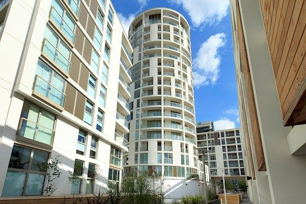 ***Modern 1 Bedroom Apartment in Millharbour E14 with Gym***