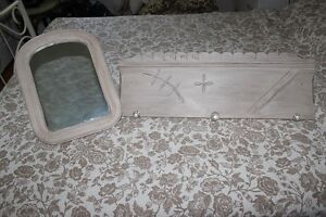 Small table  also mirror and coatrack Peterborough Peterborough Area image 2