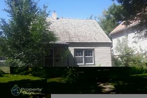 1409 Ave B, N - Well maintained, close to SIAST
