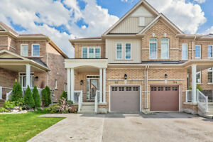 Stunning End Unit Freehold Townhouse! 9' Ceiling Open Concept Ma
