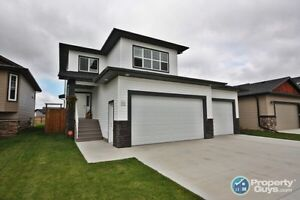 Beautiful Spacious two storey home for rent in Blackfalds