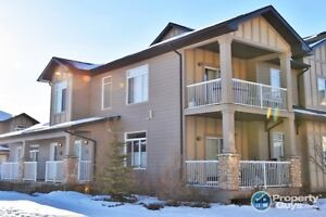 *** PRICE REDUCED *** Beautiful Townhouse with Garage.