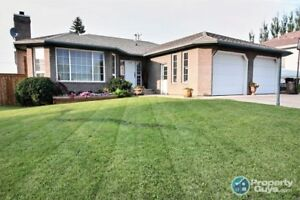 Bungalow on large lot with 6 beds/3 bath. Sellers motivated!