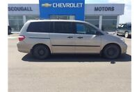 Gold 2006 Honda Odyssey LX with 171,640 kms for $6,900!