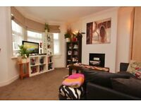 Turnpike Lane, N8 0AG-Wonderful 2 Bed Flat with Large Kitchen/Diner-Great Value!!