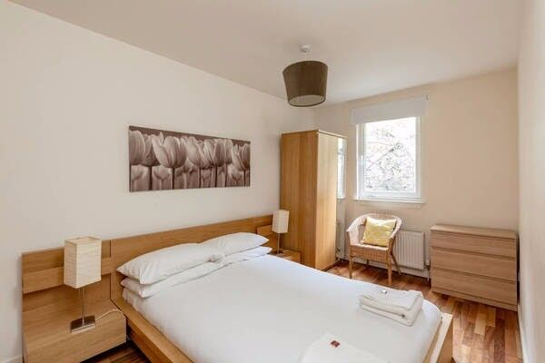 Double Room available in JANUARY in Grassmarket, Edinburgh (6)