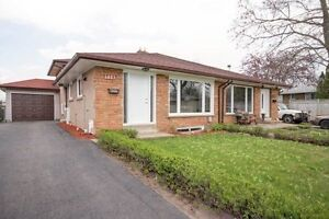 ***BEAUTIFUL SEMI-DETACHED 4 BR 3 WR IN MISSISSAUGA***