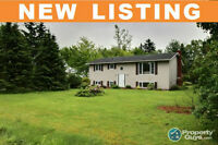 NEW LISTING! Fabulous 3 Bed Open Concept Home!