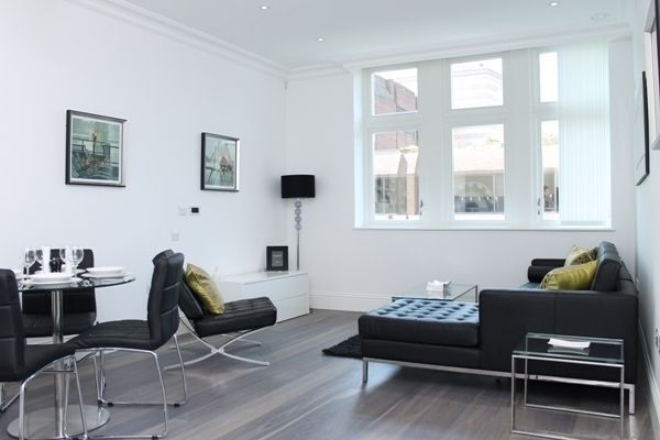 @ Stunning 2 bed 2 bath coming available soon in Aldgate - call now!!