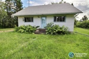 Currently being renovated, 4 bed home mins to Marwayne