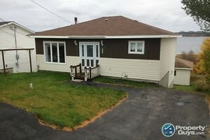 Well maintained 3 bed home in Glovertown. Waterview!