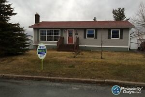 Move in Ready, Renovated Bungalow. 5 Bed on Mature Lot