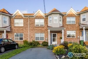 Backing on green space, 1800sf, 3 bed/3 bath near Lacewood