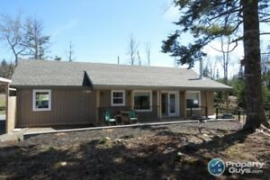 Beautiful lakefront bungalow located at Villages of Long Lake