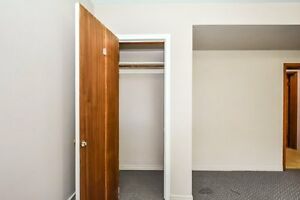 ONE ROOM AVIAIL. FOR MAY 1 - FEMALE STUDENT Kitchener / Waterloo Kitchener Area image 10
