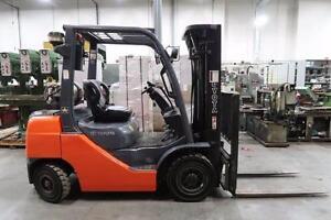 Toyota 8FGU25 5000LBS Forklift
