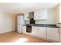 Modern 1 bed flat in South Norwood. Water rates included.