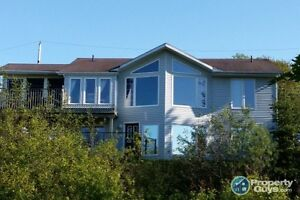Amazing View, Close to Golf Course, Open Concept.