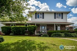 Bright & immaculate 4 br home in Colby Village!