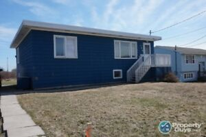 Fantastic 3 bed/1.5 Starter home with furnishings