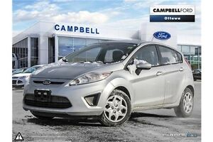 2013 Ford Fiesta SE ONLY 54,000 KILOMETERS--AUTO-AIR
