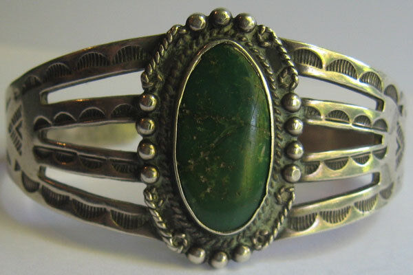 VINTAGE NAVAJO INDIAN STAMPED DESIGNS SILVER GREEN TURQUOISE CUFF BRACELET*