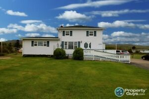 Charming bright 4 bed/2 bath with lots of upgrades!